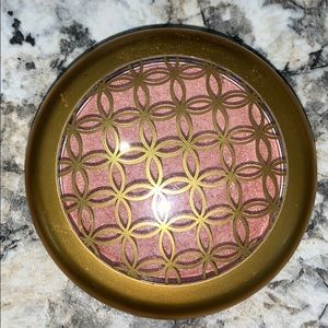 MAC Iridescent Powder Pressed - Freeform